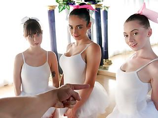 BFFS � Ballerinas2