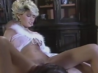 Gail Force in the dinner room - paintube.info