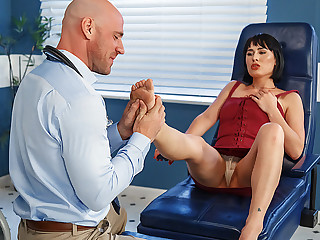 Brazzers � Arch Support