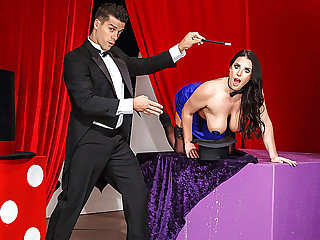 Brazzers � The Magician's Ass-istant