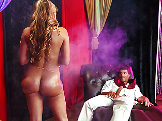 Brazzers � Charming His Snake
