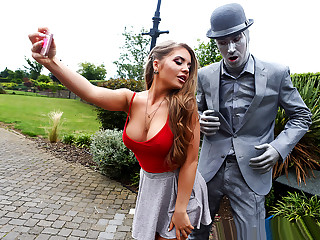 Brazzers � Fucking The Busker