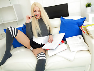 Elsa Jean Knows How to Fuck