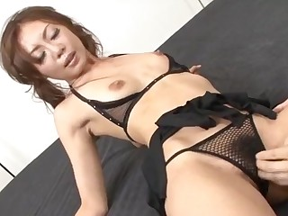 Mio Hiragi blows cock with passion and craves to swallow
