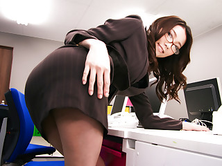 Boss fucked her japanese secretary Ibuki