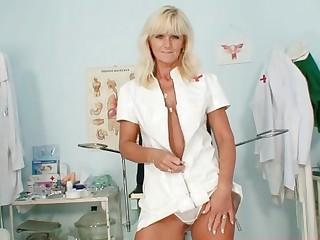 Mature Frantiska pussy gaping in nurse uniform at clinic