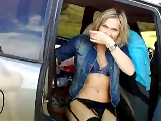 Slutty blonde banged on the road