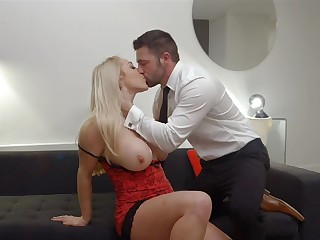 Office Boss Victoria Summers Rides Her Employees Big Dick