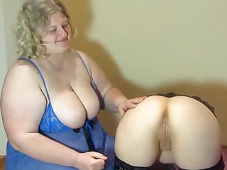 Amateur BBW lesbian sex