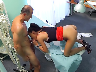 Sexy sales lady makes doctor cum twice as they strike a deal