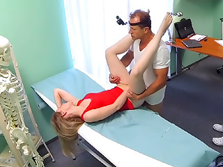 Slim blonde uses her sexy body and tongue to get a job