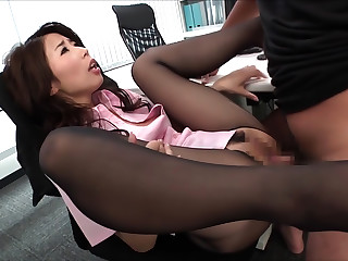 Sexy Asian Office Lady Shinoda Ayumi Shows Off Sexy Ass For Sex