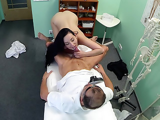 Hot babe wants her Doctor to suck her tits