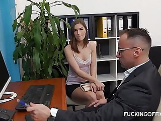 Horny boss finaly fuck his secretary she got the promition