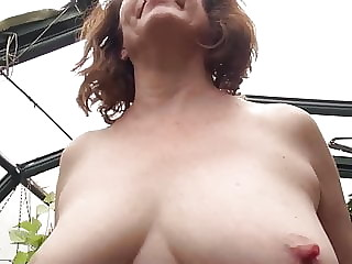 Mature mother masturbate with satisfyer