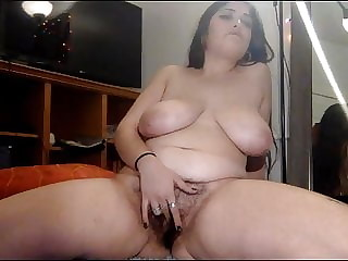 Hot BBW with hairy pussy masturbates on Chaturbate