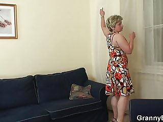 Stranger fucks her shaved old pussy from behind