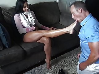 Hot Goddess  Foot hypnotism