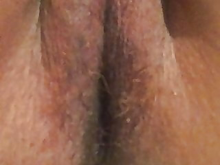Tight upskirt pussy peeing pissing close up