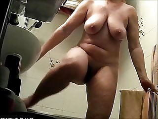 Chubby Girl with Hairy Pussy-Shower Spy Cam