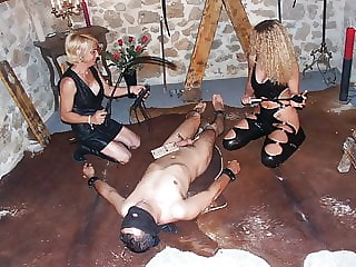 2 amateur dominas share their anal slave