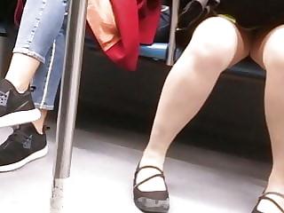 Voyuer in Train