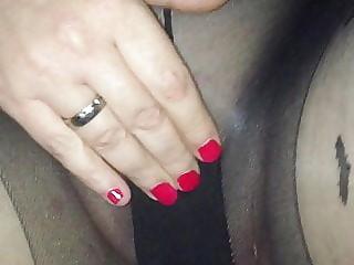 Meine Frau zeigt sich in Pantyhose