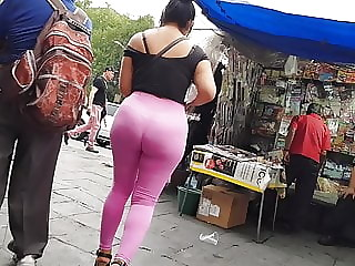 Big booty leggings rosas la Chilindrina