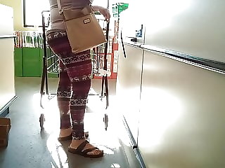 Latina GILF checkout line