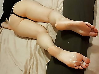 feet - drunk girl after party