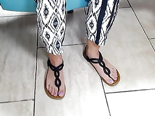 fr's sexy feets, purple toes in sandals