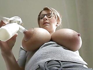 Katerina Hartlova ( . Y . ) Breast milk pump 1
