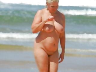 inconnue sur la plage