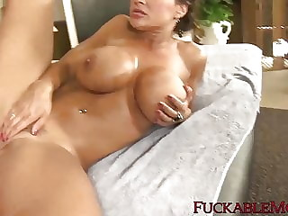 Busty MILF Lisa Ann facialized after riding thick cock