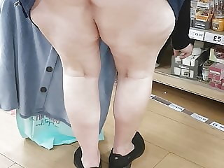 filthyslagwife flashing upskirt while shopping