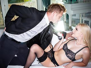 Kenna's Big-Cock Blowjob & Luxury Fuck