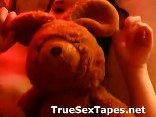 Naked brunette amateur in homemade sex tape